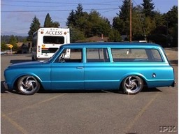1967 Chevrolet Suburban wiring and finish work